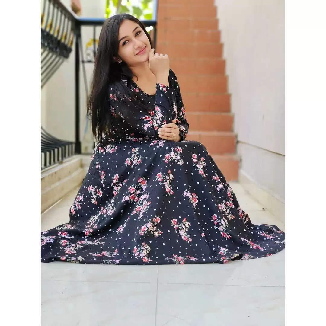 மௌனராகம் சீரியல் நடிகை ரவீனா லேட்டஸ்ட் க்ளிக்