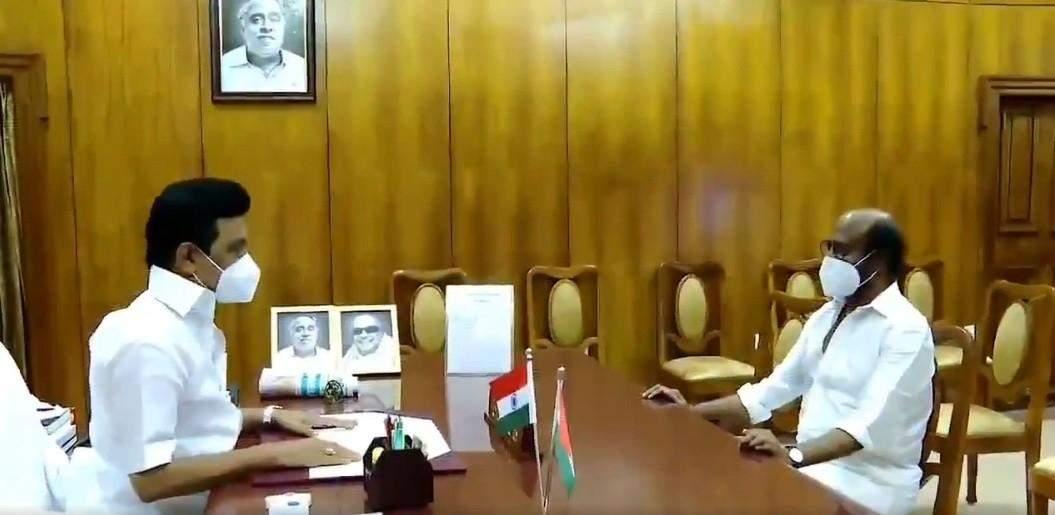 கொரோனா தடுப்பு நடவடிக்கைகளை மக்கள் முறையாக கடைபிடிக்க வேண்டும் –  நடிகர் ரஜினி  வேண்டுகோள்