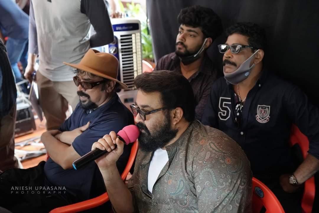 தொடங்கியது மோகன்லாலின் 'ப்ரோஸ்'…  விறுவிறுப்பாக நடைபெற்ற முதல் நாள் ஷூட்டிங்…