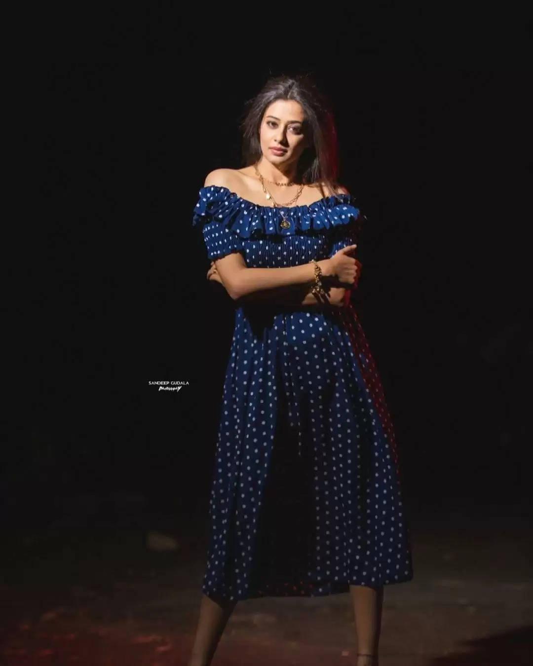 நடிகை ப்ரியாமணி லேட்டஸ்ட் போட்டோஷூட்