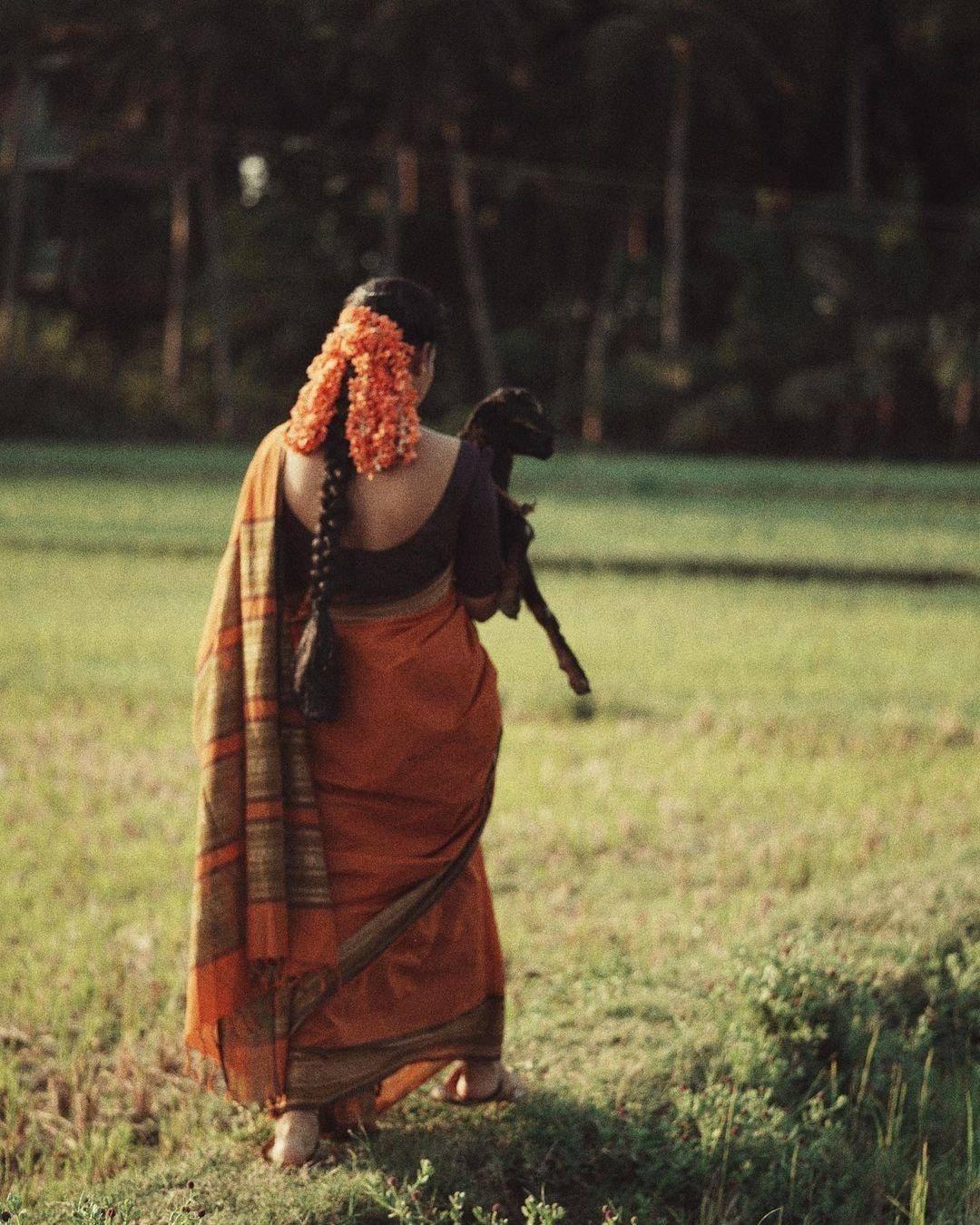 'சார்பட்டா பரம்பரை'யிலிருந்து நடிகை துஷாரா விஜயனின் அசத்தல் புகைப்படங்கள்!